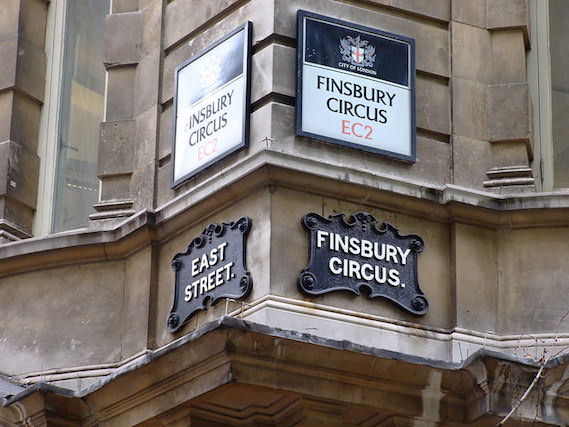 800px-Finsbury_Circus_-_City_of_London_-_Street_Signs